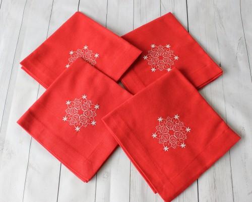 """Kalėdines siuvinėtos servetėles """"Snaigė3"""""""